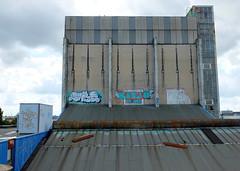 Graffiti (oerendhard1) Tags: urban streetart art rooftop graffiti rotterdam toilet vandalism oreo ons fabriek putas asem konjo ood toylet ofset eviks knuis
