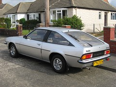 1981 Vauxhall Cavalier 2000 GLS Sports Hatch: FTN290W (08) (peter_b2008) Tags: sports 2000 cavalier hatch classiccars gls vauxhall ftn290w