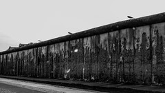 20150724-P1000163 (katharina_amari) Tags: blackandwhite berlin architektur berliner mauer bauten teufelsberg lostplaces beelitzerheilstätten