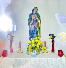 Belgian Madonna 1 (Mattijsje) Tags: silly statue belgium maria madonna belgi beeldje mariabeeldje
