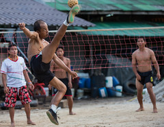 HIPL5495.jpg (hipSh0ts) Tags: people man sport ball takraw sepak sepaktakraw