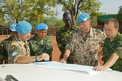 UN Beobachter im Sudan (Offizieller Auftritt der Bundeswehr) Tags: sudan rumbek soldaten ocha jankowski patrouille heinemann unbeobachter sdsudan befehlsausgabe auslandseinstze makhrov bundeswehrfotos