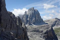Na ferracie Strada Alpini, widok na Croda di Toni