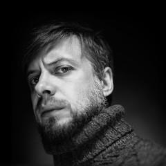 Denis (Anton_Kicker) Tags: 6x6 pentacon six ilford hp5 man portrait bw film 120