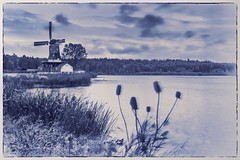 A bit Delft (Jos Pockett) Tags: windmilllake windmill water bayfield ontario canada blue topaz likedelftpottery blueblueblue imafraidijustbluemyself slidersunday hss