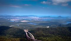 Descida da serra (felipe sahd) Tags: cidade city santos sãovicente sãopaulo litoral serradomar brasil ontheroad naestrada imigrantes