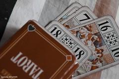 Jeu de tarot vieilli (antoinebouyer) Tags: tarot jeux cartes