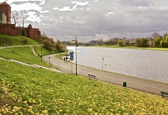 It is a lovely sunny day in Krakow! (somabiswas) Tags: krakow castle architecture river poland sunny wisla