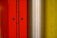 Kommen Sie, sehen Sie, staunen Sie (raumoberbayern) Tags: munich mnchen ubahn robbbilder reflection spiegelung face facialimpression gesicht rot red gelb yellow silber silver urbanfragments abstract minimal