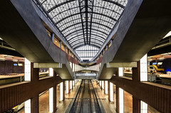Antwerpen Centraal (Der Hamlet) Tags: antwerpencentraal bahnhof railstation bahnsteig plattform belgien flandern