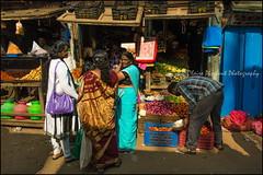 Veggies.   Coonoor (Claire Pismont) Tags: asie asia inde india travel travelphotography tamilnadu viajar voyage village pismont clairepismont coonoor colorful couleur color colour woman women