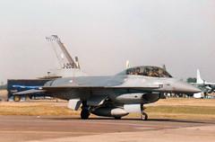1985 General Dynamics F-16B Fighting Falcon J-209 - Royal Netherlands Air Force - RAF Fairford 1996 (anorakin) Tags: rnlaf klu 1985 generaldynamics f16b fightingfalcon j209 royalnetherlandsairforce raf fairford 1996