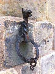 Iron shackle, Bamburgh Castle (legomanbiffo) Tags: horse castle iron medieval cast bamburgh shackle