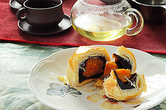 When cake meets with tea (Benny2006) Tags: cup cake tea chinese culture mooncake moonfestival