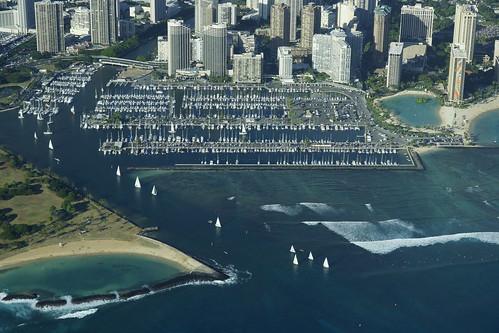 hawaii waikiki oahu honolulu sailboats alawai yachtharbor hiltonrainbowtower erictessmer