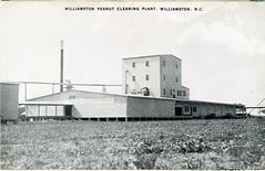 Anglų lietuvių žodynas. Žodis factory farm reiškia gamykla ūkis lietuviškai.