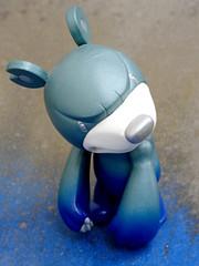 En bleu de travail. (AGUILA81) Tags: toys toy jouet figurine touma qee toy2r blue bluemoon knucklebear bear toumart
