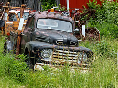 Tom's 1948 Ford Tow Truck (J Wells S) Tags: 1948fordtowtruck fordwrecker rust rusty crusty abandoned holmestwinboom tomrohrich historictruck vintagetruck batavia ohio mikestowingrecovery aths americantruckhistoricalsociety wrecker vintagewrecker historicwrecker