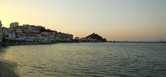 The golden hour (Steenjep) Tags: samos holiday ferie greece grkenland kokkari sun sunset solnedgang havn harbour homes restaurant light shadow