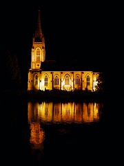 Marlow-on-Thames, Buckinghamshire (Oxfordshire Churches) Tags: marlowonthames buckinghamshire panasonic lumixgh3 mft microfourthirds micro43 england uk unitedkingdom johnward churches anglican churchofengland cofe rivers riverthames reflections