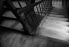 Stiege  / Stairs (Bernd Kretzer) Tags: treppe stairs schwarzweiss blackwhite freilandmuseum bad windsheim franken franconia nikon afs dx zoomnikkor 1855mm 13556g