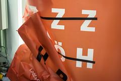 ZZ ÖH (pni) Tags: letter advertising mechanical light sign color colour orange helsinki helsingfors finland suomi pekkanikrus skrubu pni hbl