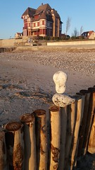 Le Crotoy (mr broddy) Tags: somme lecrotoy france beach stone pierre plage groyne epi house sand pebble