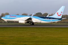 Thomson G-FDZR 737-8K5 EGCC 31.10.2016 (J o n a t h a n P a l o m b o |P h o t o g r a p y) Tags: 31102016 737 aviation boeing egcc gfdzr man manchesterairport monday planes tom thomsonairways