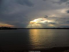 Por do so no Lago Parano (charlimbraw) Tags: brasil braslia distritofederal df pordosol prdosol crepsculo sun sunset igreja catedral churchill