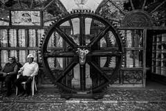 Old Miners And A Wheel (Guanajuato, Mxico. Gustavo Thomas  2016) (Gustavo Thomas) Tags: miners old wheel rueda mina guanajuato mxico mexican mexicanos monochrome people gente blackandwhite blancoynegro monocromtico bnw