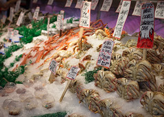 Pike Place Market - Fresh Seafood (Corsare) Tags: fish market pikeplace seattle travel