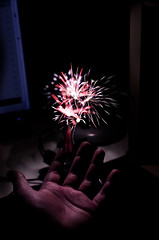 snsabfkdajf (mabo4x41) Tags: nikon d7000 40mm nacht night feuerwerk firework hand photoshop