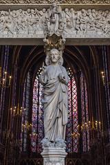 Sainte Chapelle - Prtico (Juan Ig. Llana) Tags: paris ledefrance francia saintechapelle santacapilla vidrieras luz color arquitectura gtico prtico estatua vidriera jesucristo