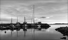 Sunset (Eline Lyng) Tags: leica sunset sea nature norway landscape boats evening larkollen leicamonochrom aposummicron50mm