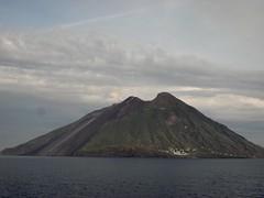 Vulcanic Island Stromboli Italy (roli_b) Tags: italien italy island italia insel vulcan volcanic isla vulcano stromboli volcan vulkan vulkaninsel szenenlandschaft