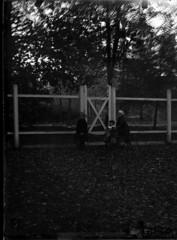 GIM_ureg_0030f (dbagder) Tags: norway barn gutter nor kristiansand leker jenter klr mennesker vestagder utendrs drakter kulturhistoriskefotografier