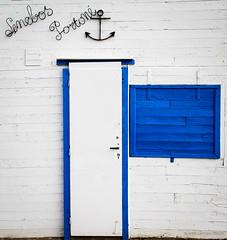 IMG_3283 (sebr11) Tags: 7d eos canon méditerranée aude gruissan aide pêcheurs encre bleuetblanc cabane marin porte