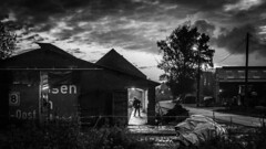 An evening at the farm (Ludo_Jacobs) Tags: street streetphotography monochrome blackandwhite farm outdoor belgium people country farmer bauernhof agriculture