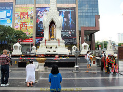 Shrine outside Central World Shopping Mall, Ratchadamri road in 2013, Pathumwan District, Bangkok, Thailand. (samurai2565) Tags: pathumwan hualamphongrailwaystation bangkok thailand railwaysinthailand bangkokrailwaystation erawanshrine chitlom rama1road skytrain policehospital phloenchitroad lumphinipark