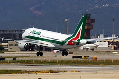 EI-IMS A319-111 Alitalia (Antonio Doblado) Tags: barcelona elprat aviacin aviation aircraft airplane airliner eiims airbus 319 a319 alitalia