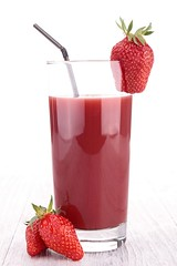 strawberry juice (yulianti8) Tags: juice strawberry berry fruit red cocktail drink beverage food refreshment fresh freshness juicy ripe gourmet vitamin breakfast diet nutrition healthy glass summer blended