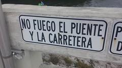 20161030_170821 (rolyrol1982) Tags: bad idiot translation translate idiotic stupid dumb spanish english card sound road bridge florida keys key largo funny letrero equivocado