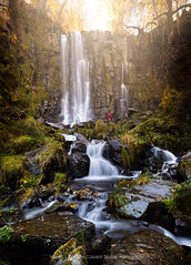 No escape (Laurent BASTIDE Photographies) Tags: auvergne cantal france europe waterfall sun light red green water fresh fall mood amazing cpl vanguard nisi canon