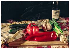Natue morte (Dima Vesnine) Tags: stilllife tomate og ail concombre naturemorte