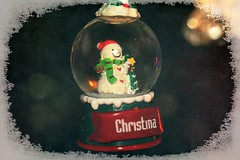 Small Snow Globe With Snowman Textured 003 (Chrisser) Tags: christmas decorations decoration snowmen snowman snowglobes snowglobe ontario canada canoneosrebelt1i canonefs1855mmf28macrousmprimelens backgroundfrombrenda ipiccy itsanaddiction