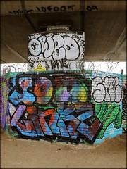 10Foot / Owed / Sod / Linkz / SMC (Alex Ellison) Tags: owed lb lostboys sod linkz uga pickles smc westlondon urban graffiti graff boobs