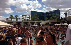 #July4th #MGMGrand #LasVegas (Σταύρος) Tags: vegas lasvegas mgm poolparty bikini wet party hotel 4thofjuly mgmgrand july4th myhotel hotelroom cheaproom expensive posh swimmingpool pool clarkcounty nv nevada vegasbaby sincity soirée ラスベガス southernnevada mgmvegas mgmhotel mgmlasvegas drinks friends iphone iphone5 takenwithaniphone telephone cellphone cell phone gps iphone5capture iphonecapture backcamera mobilephone appleiphone apple afrojack dj frau morena garota fille bff sexy wahini girl woman linda petite bella