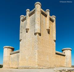 DSC1395 Castillo de los Comuneros de Torrelobatn, siglo XV, (Valladolid) (ramonmunoz_arte) Tags: del de almirante castillo comuneros torrelobatn