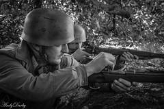 Avoncroft (78 of 259) (Andy Darby) Tags: portrait war helmet smoking german reenactment mg42 k98 fallschirmjager avoncroft mp40 fjr5