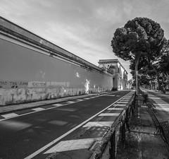Cagliari (Diego Cardia) Tags: sardegna street strada sardinia porto cagliari bastione